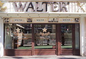 Walter Defends Sarajevo - Walter, a restaurant in Belgrade serving Sarajevo-style ćevapi.