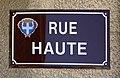 Rue Haute (Embrun) - panneau de rue.jpg