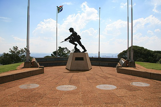 A statue commemorating all South African Defence Force personnel who had lost their lives in service of the Republic of South Africa in Fort Klapperkop, Pretoria SADF Commemorate.jpg