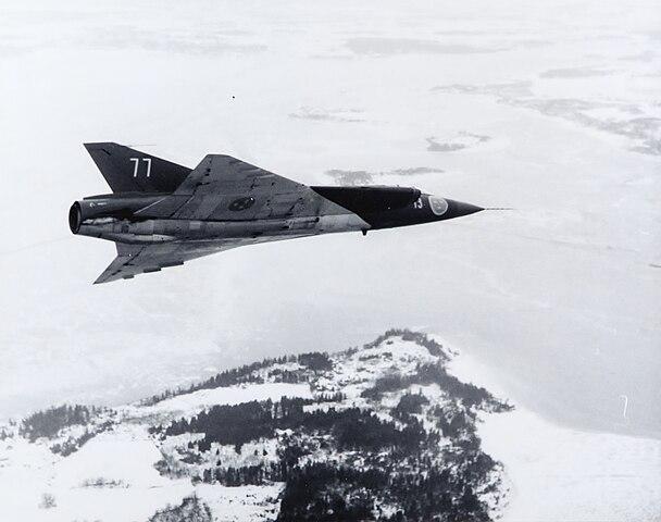 608px-Saab_J_35A_Draken_%2835077%29.jpg