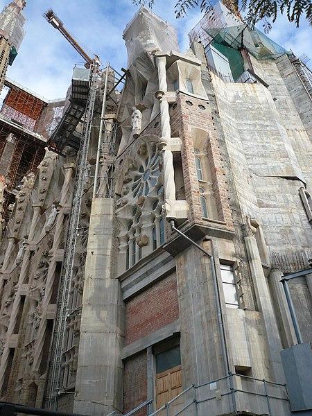 File:Sagrada Família P1410836.jpg