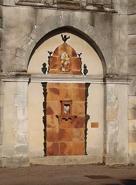 Saint-Aubin-Château-Neuf (Yonne, France). Sur l'église Saint-Aubin-Saint-Léonard, panneau monumental  - Hommage à Saint-Aubin-Saint-Léonard, par Jean-Michel Doix et Marie-Lucie Trinquand. Page de présentation.