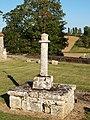 Saint-Loup-de-Gonois-FR-45-calvaire du cimetière-06.jpg