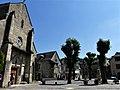 Sainte-Eulalie-d'Olt place Église.jpg