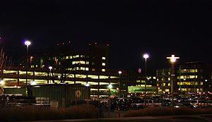 Salem Hospital (Oregon) at night