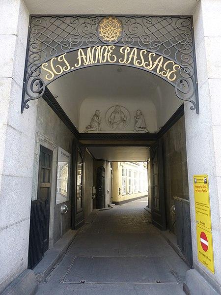 File:Sankt Annæ Passage 7.jpg