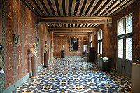 200px SchlossBloisGaleriederKoenigin Châteaux de Blois