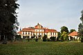 Schloss Jemniste (37744232135).jpg