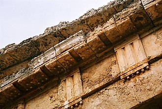 Taenia (architecture) - Detail of the entablature at the Temple of Segesta