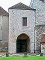 Senlis (60), château royal, porte fortifiée XIIIe s., intérieur.jpg