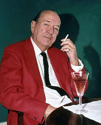 English: portrait of Sir Noel Coward in his di...