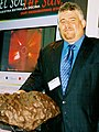 Sixto A. Gonzalez at the Arecibo Observatory Visitor Center Saturday November 1st, 2003.jpg