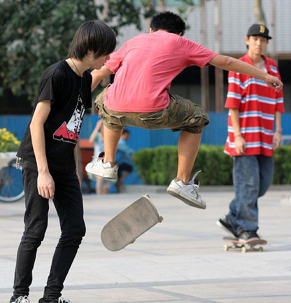 Archivo:Skaters1.jpg