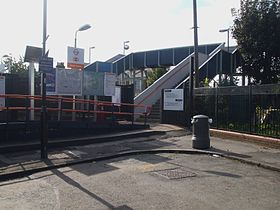 South Acton stn west entrance.JPG