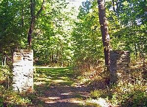 Springside (Poughkeepsie, New York) - Surviving gateposts at cottage entrance, 2007