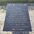 Stèle hommage aux marins de l'attentat du Düsseldorf - port de Dieppe (France).jpg