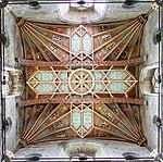 St David's Cathedral Interior 1a (35177210600).jpg