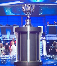 Stage and trophy of LoL World Championship 2013 (cropped).jpg