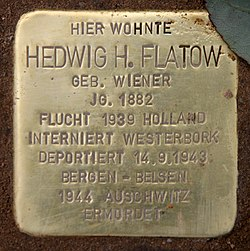 Photo of Hedwig H. Flatow brass plaque