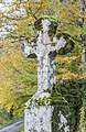 Stone cross in Nauviale 03.jpg