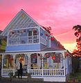 Sunset on a cottage.JPG