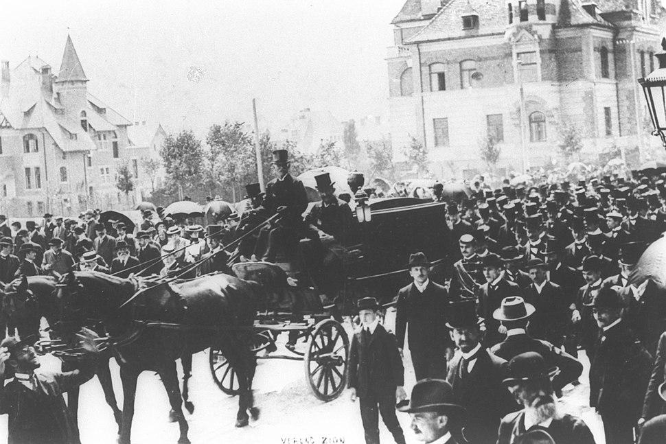 THEODOR HERZL'S FUNERAL IN VIENNA, 7.7.1904. הלוויתו של חוזה המדינה תיאודור הרצל בווינה - 1904.7.7