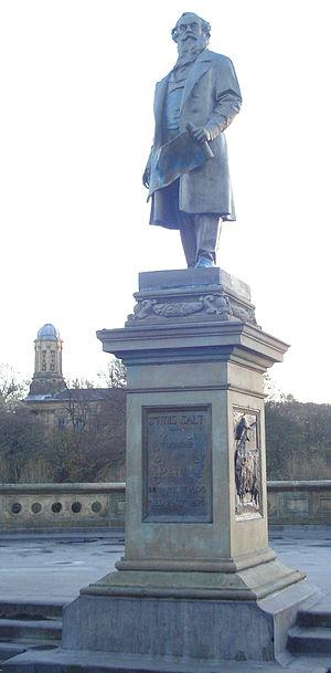 Titus Salt - Titus Salt's statue in Roberts Park