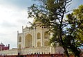 Taj mahal the white monument.jpg