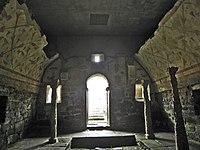 Templo romano de Santalla de Bóveda.jpg