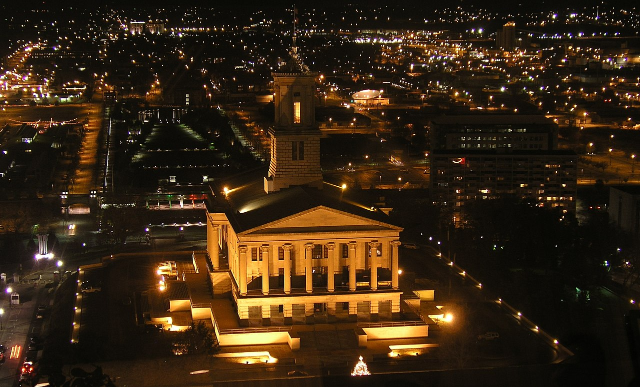 The Tennessee State Capitol at night time