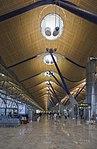 Terminal 4 del aeropuerto de Madrid-Barajas, España, 2013-01-09, DD 08.jpg