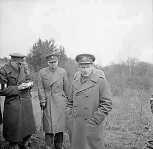 Bernard Montgomery - Lieutenant General Bernard Montgomery, GOC V Corps, with war correspondents during a large-scale exercise in Southern Command, March 1941.