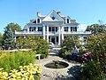 The Phineas Chapman Lounsbury House.jpg