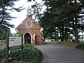 The chapel at the entrance to Faversham cemetery - geograph.org.uk - 1086434.jpg
