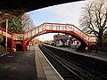 The footbridge at Garforth Station (geograph 2788550).jpg