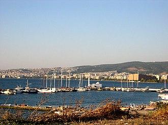 Kalamaria - View of downtown Thessaloniki from Karabournaki