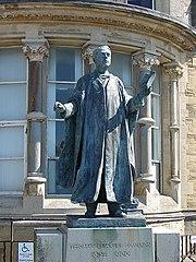 Statue of Thomas Edwards