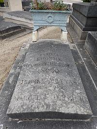 Tombe de Marcel L'herbier (division 3).JPG