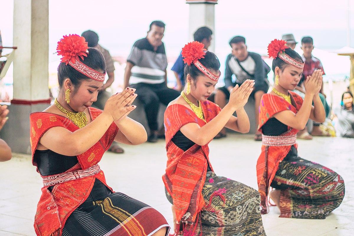 Tari tor-tor berasal dari Sumatera Utara