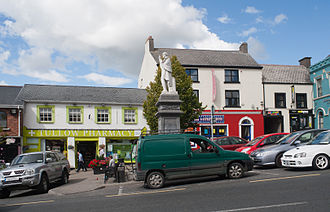 John Murphy (priest) - Market Square in Tullow with a monument dedicated to Fr. John Murphy who was executed at this square on 2 July 1798