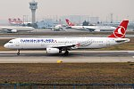 Turkish Airlines, TC-JMK, Airbus A321-231 (34436678734) (2).jpg