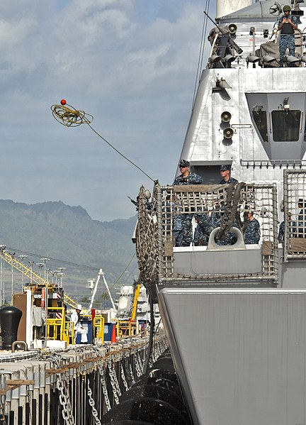 File:U.S. Sailors aboard the littoral combat ship USS Freedom (LCS 1) throw a line as the ship arrives at Joint Base Pearl Harbor-Hickam, Hawaii, March 11, 2013 130311-N-WF272-106.jpg