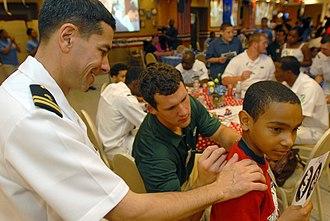 Jason Trusnik - Jason Trusnik signing autographs in 2007 with the Jets.