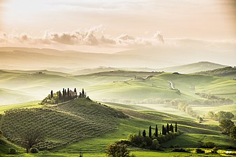 Val D Orcia Sunrise (151505625).jpeg