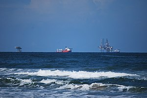 Paraíso, Tabasco - Oil rigs and tanker off the coast of the municipality
