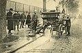 Vidange des caves de la Halle aux vins janvier 1910.jpg