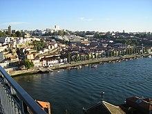 Vila Nova de Gaia from Porto (6847153331)