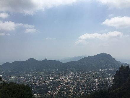 Panoramic view of Tepoztlan Vista de Tepoztlan.JPG