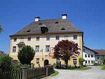 Vogtareuth, RO - Kirchpl Nr 8 Schloss v S.JPG
