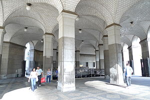 Brooklyn Bridge–City Hall/Chambers Street (New York City Subway) - Municipal Building entrance